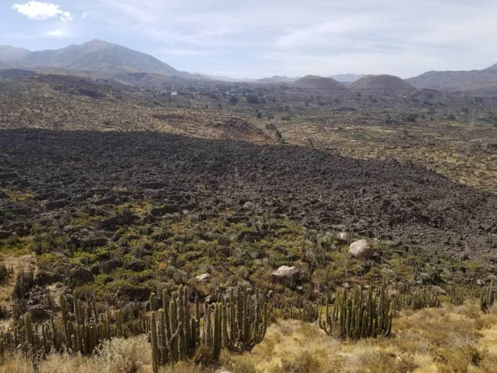 vue Antaymarca avec coulée de lave