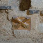 Kotosh temple des mains croisées mains masculines