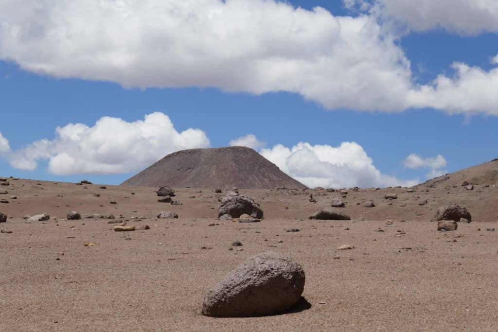 Perspective de rocher aux 3 lagunes au Sajama, Bolivie