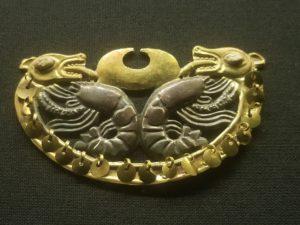 Anneau de nez de la tombe de la Dame de Cao
