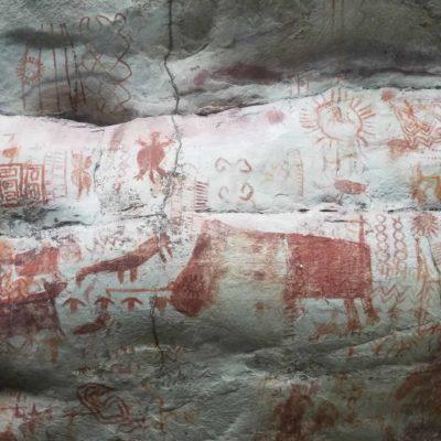 Les peintures rupestres d'El Raudal du Guaviare en Colombie